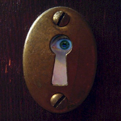 Kisah Urban Legend: Keyhole (Lubang Kunci)