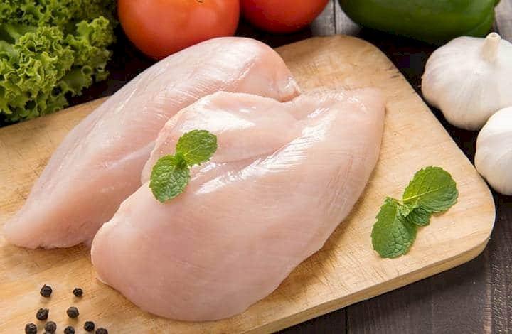 Dada ayam mengandung protein yang tinggi