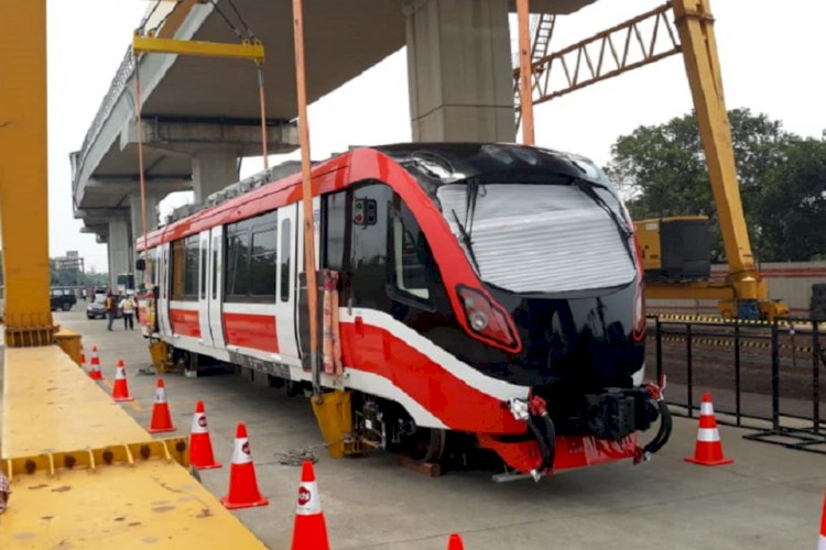 Ditargetkan Rampung 2022, Progress LRT Jabodebek Capai 83,5 Persen